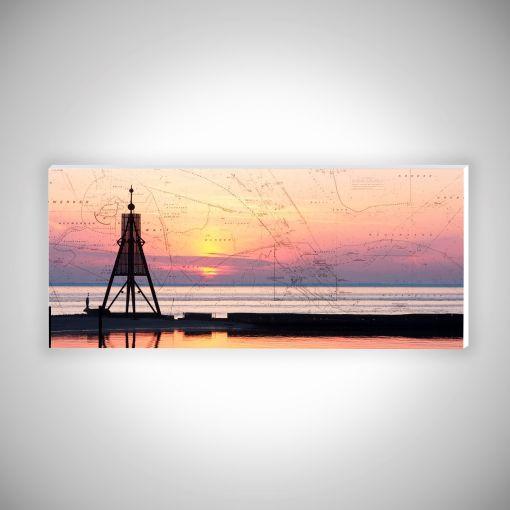 Kugelbake im Sonnenaufgang mit Seekarte Panorama   Hartschaumplatte 10mm Galerie Print
