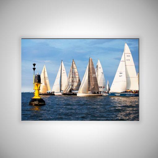 Segelschiffe mit Boje Querformat |3mm Alu-Dibond-Platte Galerie Print