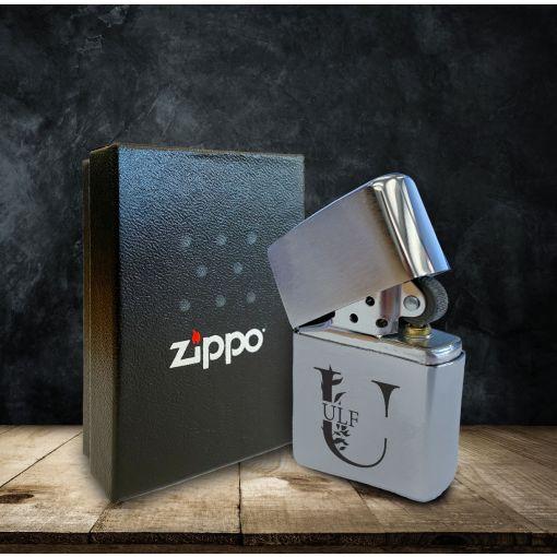 Buchstabe mit Wunschnamen | Zippo