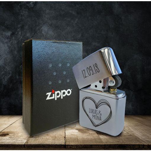 Herz und Datum mit Wunschnamen | Zippo