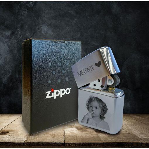 Dein Bild mit Wunschnamen | Zippo